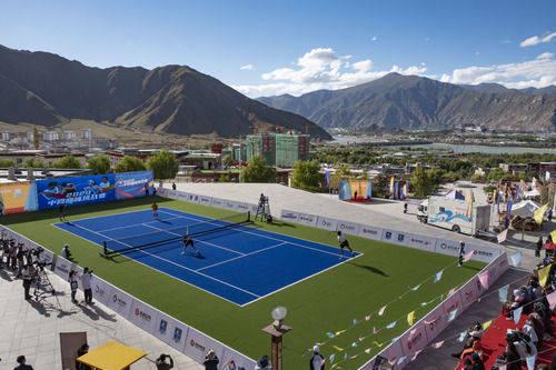 网球——2020中网巅峰挑战赛在拉萨挥拍
