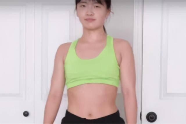 女生尝试做波比跳坚持,每天做100个坚持2周,看身材变化