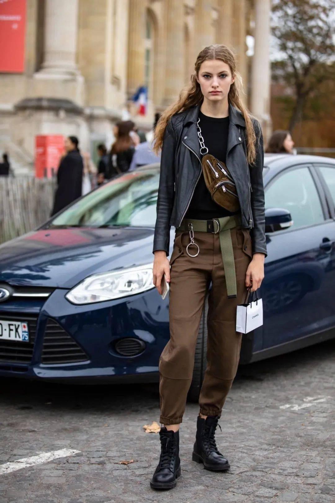 马丁靴+裙子,马丁靴+工装裤……又酷又撩,时髦炸了!     第34张