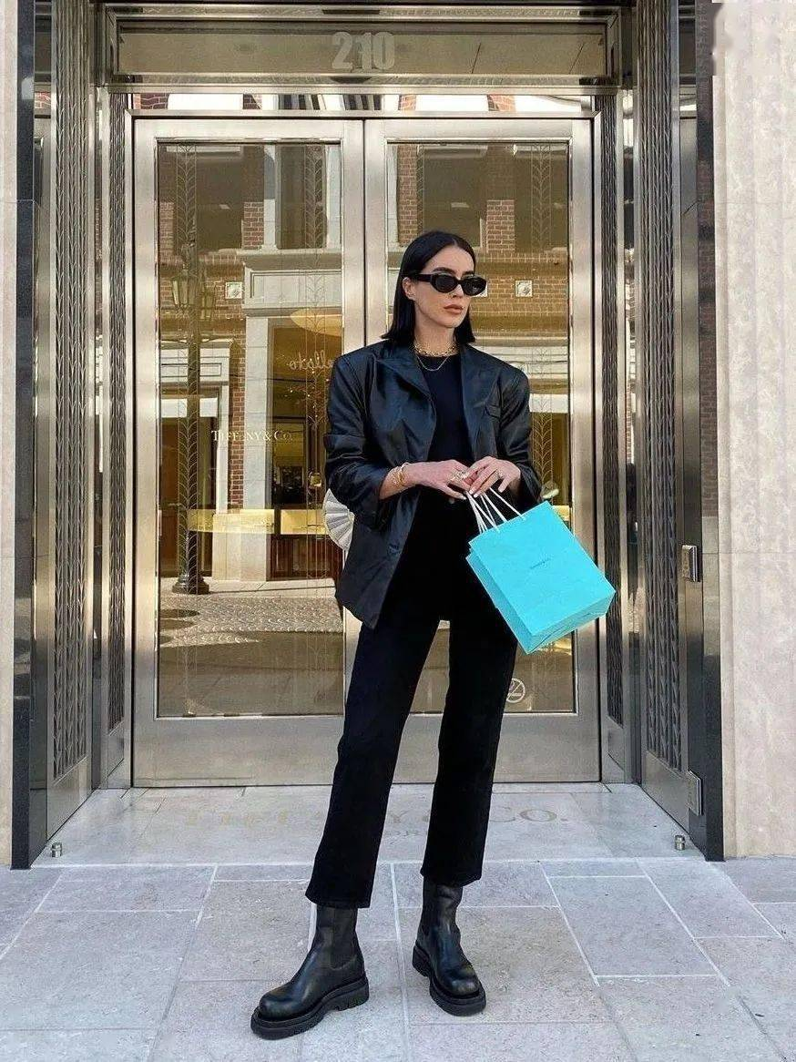 马丁靴+裙子,马丁靴+工装裤……又酷又撩,时髦炸了!     第45张
