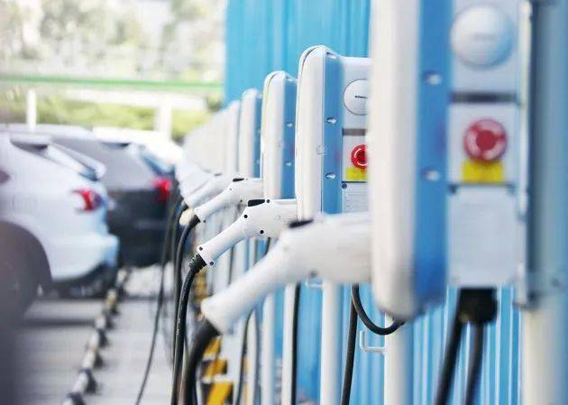 国务院将公布新能源汽车产业发展规划的四大要