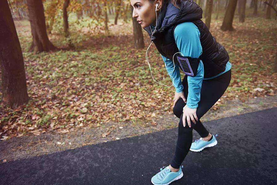 学会膝关节的自我康复训练,让你走路更轻盈!