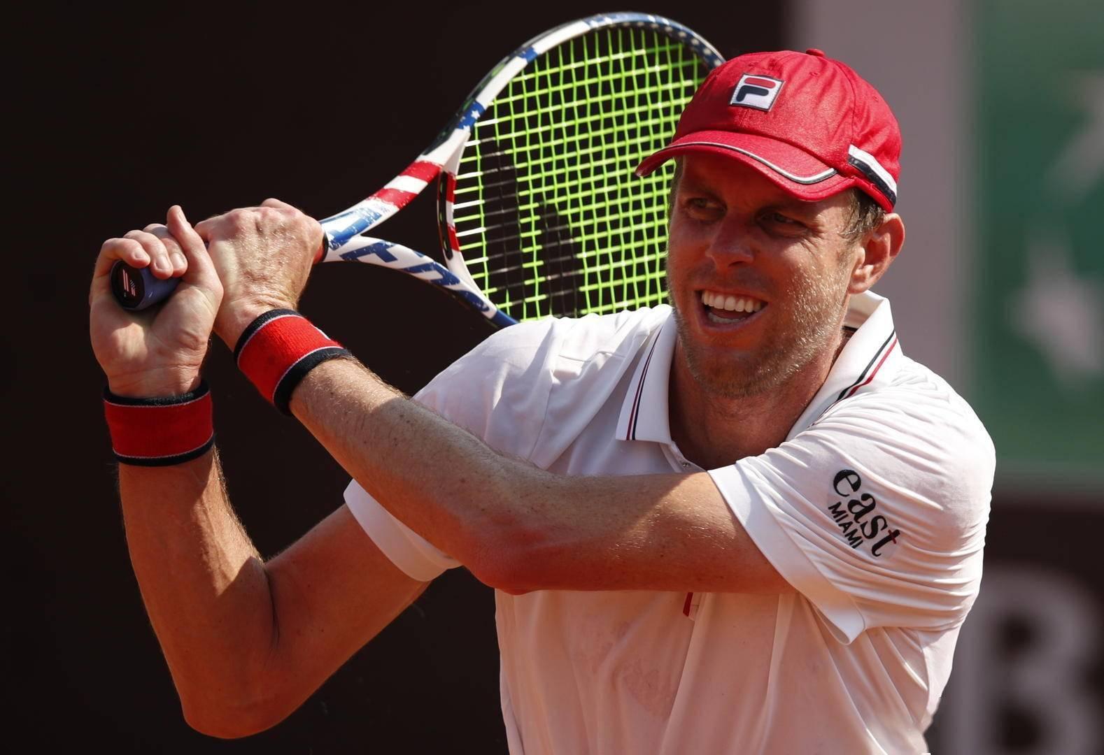 网球赛怪事频出:确诊新冠名将包机逃走、球员如厕太久被罚一局