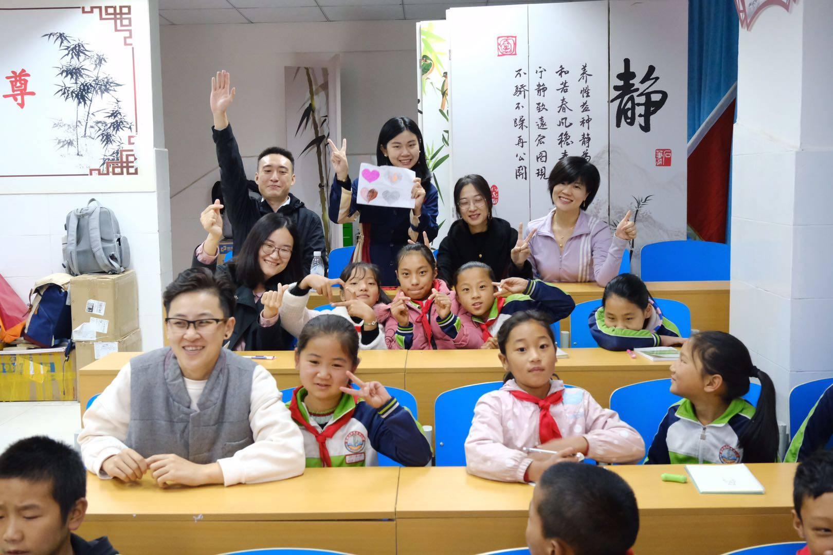 《故宫日历(亲子版)》珍藏大凉山彝族少年的最美记忆