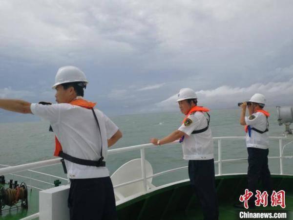 琼州海峡翻沉货船仍有3名失联船员未找到 搜救继续