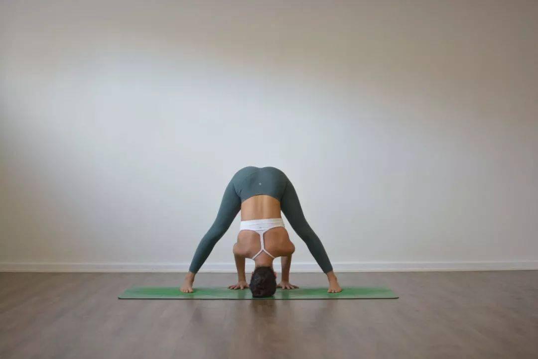 最滋养骨盆的 7 个瑜伽动作,每天练,气色真的不一样了!