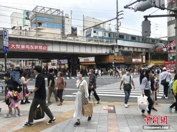 日本东京现大型口罩专卖店 最贵口罩10万日元一个