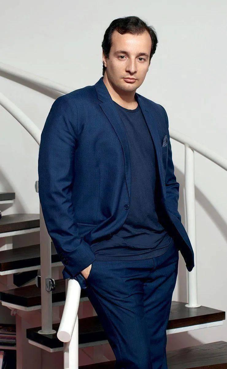 阿拉伯版VOGUE主编谈时尚改革,希望用时尚促进中东地区的思想进步