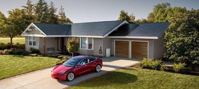 马斯克预计太阳能屋顶将于2021年为特斯拉贡献大笔营收