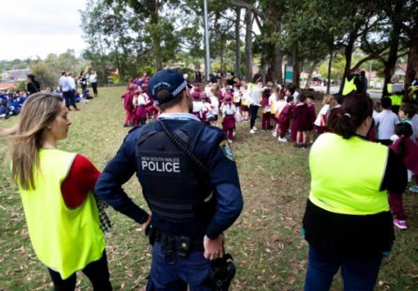 """数十学校收到恐吓邮件,澳大利亚""""高考""""被迫中断,师生疏散"""