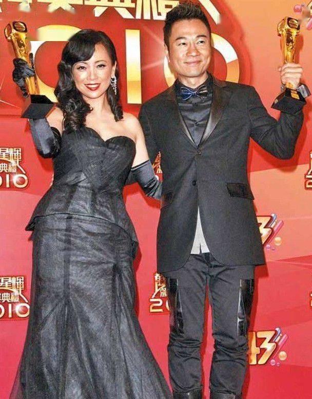 7年后,关系终于要破冰了!邓萃雯返回TVB拍摄玫瑰色的商业4