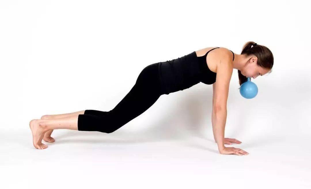 练瑜伽,如何激活核心?这4个动作+呼吸很有效!_腹部
