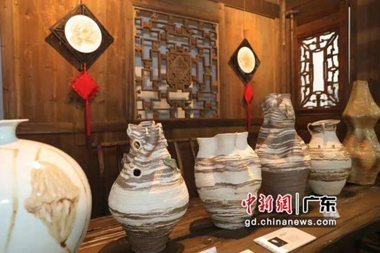 中国当代艺术陶瓷展开幕200多件陶瓷艺术品亮相