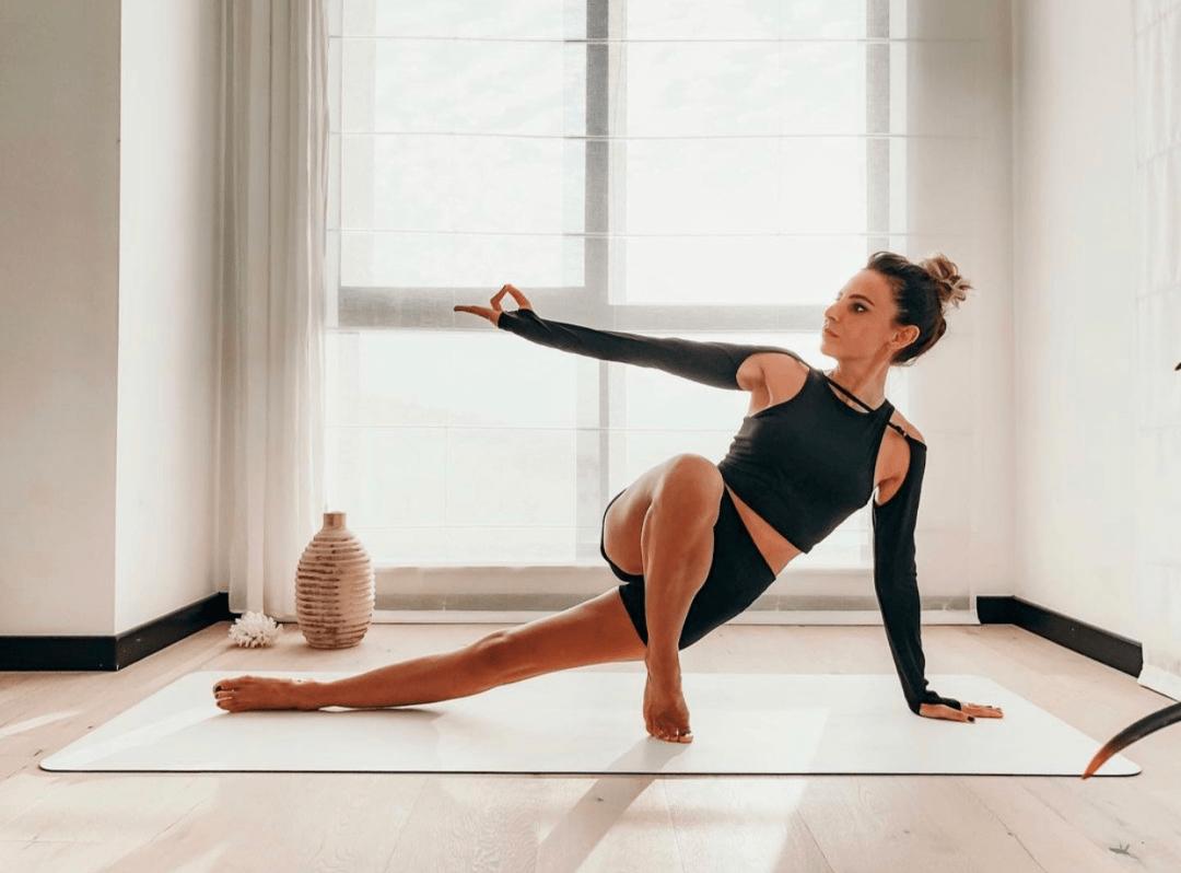 人老膝先衰?女性30过后,要重点保养膝盖!(附瑜伽序列)