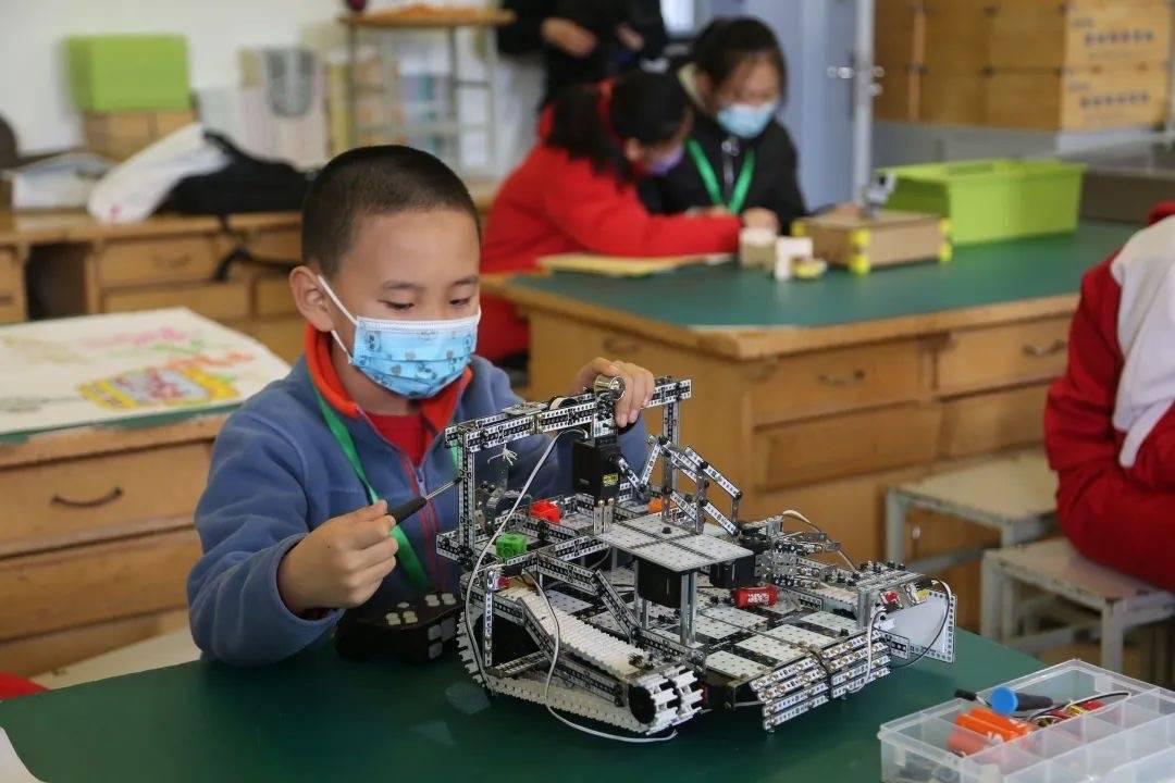 """石景山""""学创杯""""第二场竞赛开赛,百余名学生"""