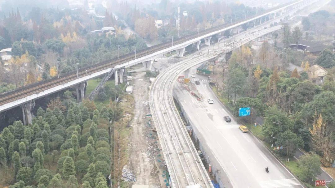 都江堰M-TR旅游客运专线建设最新进展!首开段将于明年10月正式运行!_施工