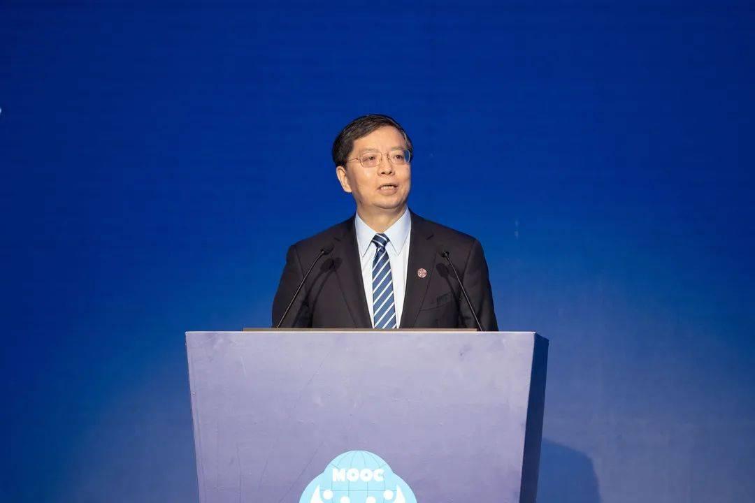 校长邱勇:把握变革机遇,用教育的力量塑造未来