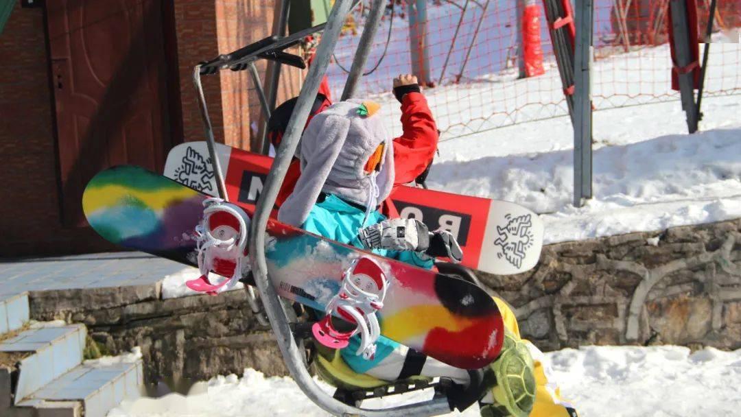 无滑雪不冬天!伏牛山滑雪度假乐园掀起中原滑雪运动热潮!