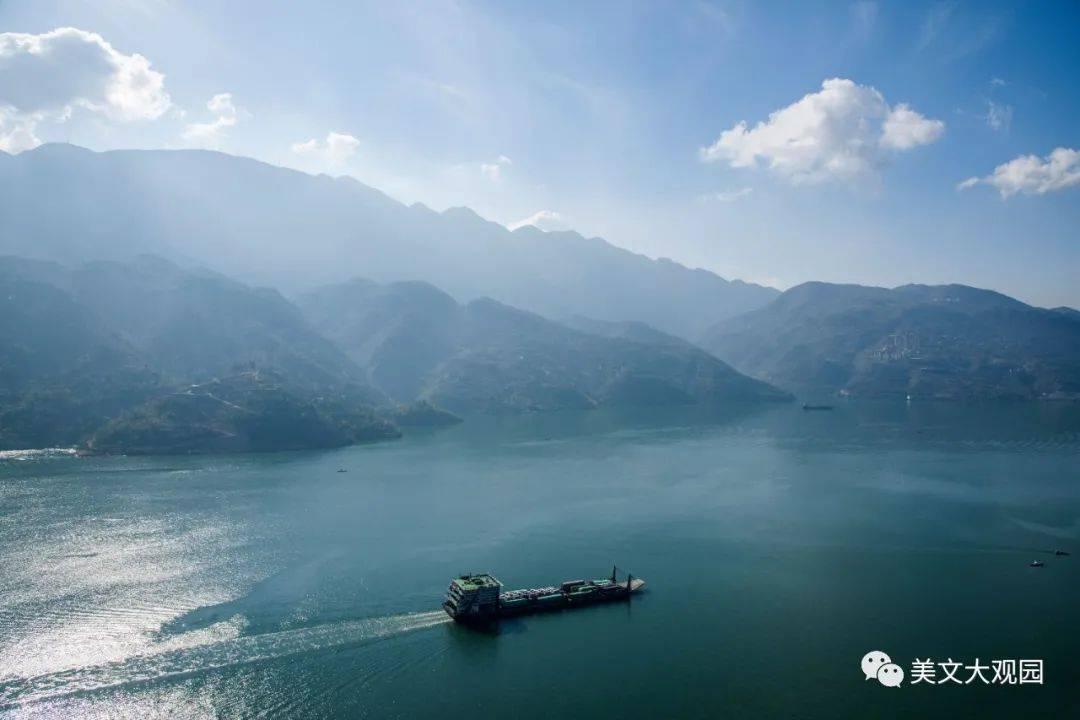 万里长江第一湾