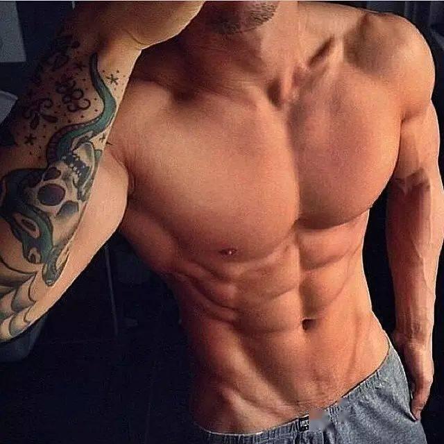 健身女神喜欢什么样的男生?这样的!