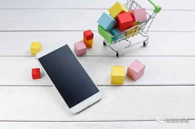 40%的收入来自网络。1995年后苹果商店导购怎么玩私域流量?