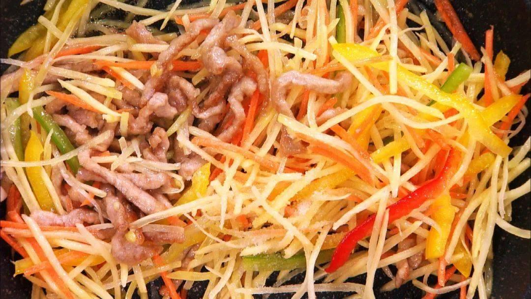 【养生厨房】今日菜谱——两菜合一剪刀面