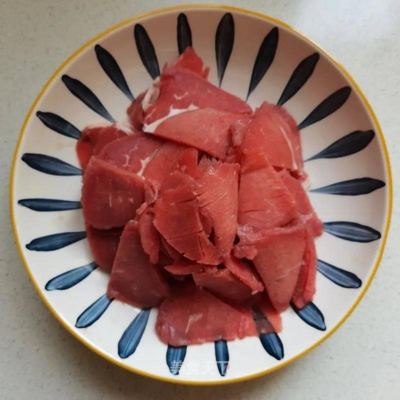 蚝油牛肉:几分钟就搞定,鲜嫩多汁超下饭
