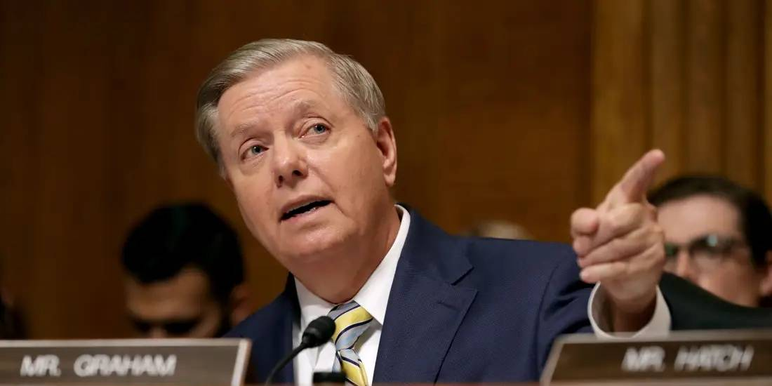 """""""我劝你不要这么做"""" 担心骚乱引发白宫离职潮,共和党参议员喊话高官不要辞职"""