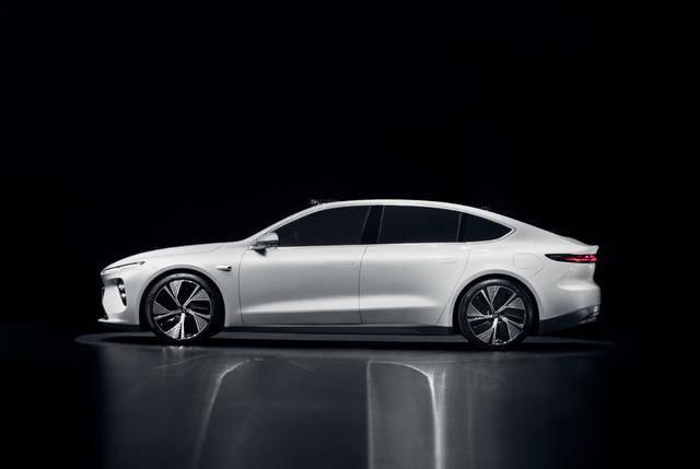 蔚来旗舰轿车ET7正式发布,起售价44.8万,1000续航里程是最大亮点