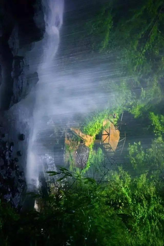 距成都不远,这条线路浓缩了整个川西的美景,还有私藏野温泉!
