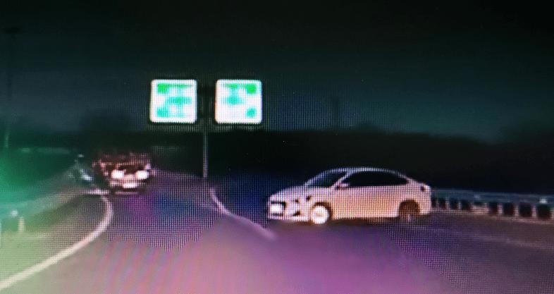 视频举报|网络车司机被群众举报高速逆行,驾照一次性被记12分