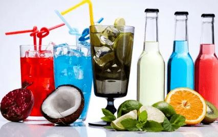 """警惕!五种""""水"""",或不利于健康,最好停止饮用,有你爱喝的吗?"""