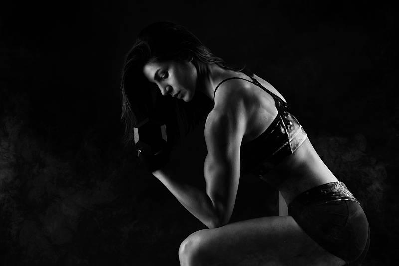 为什么专业健身人士,会要求健身训练时,要将动作放慢?_速度