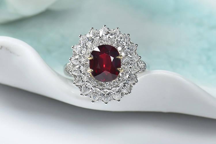就要玉珠宝:红宝石与钻石的比较分析,红宝石和钻石哪个贵?
