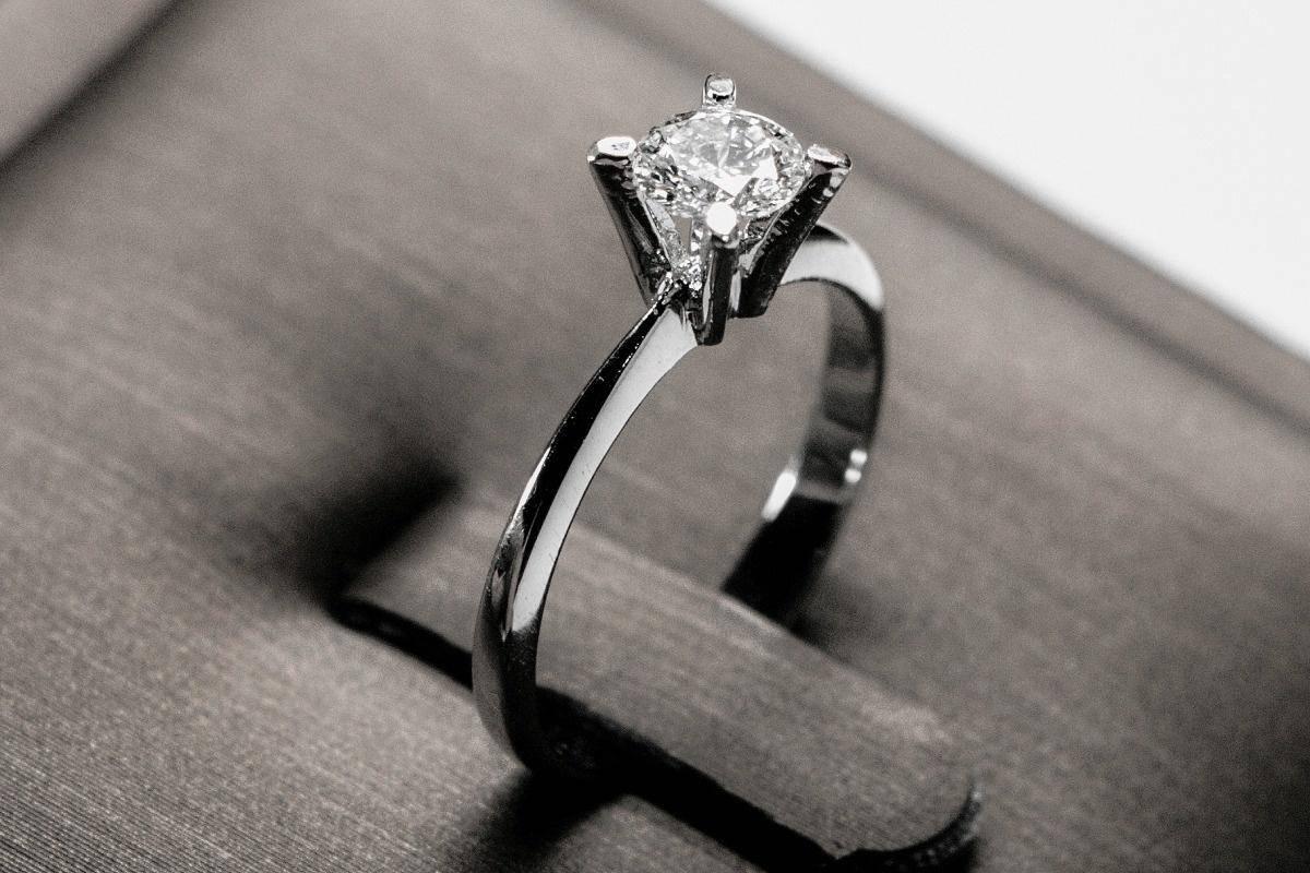 钻石还是算良心的,只会坑一些人傻钱多的富豪