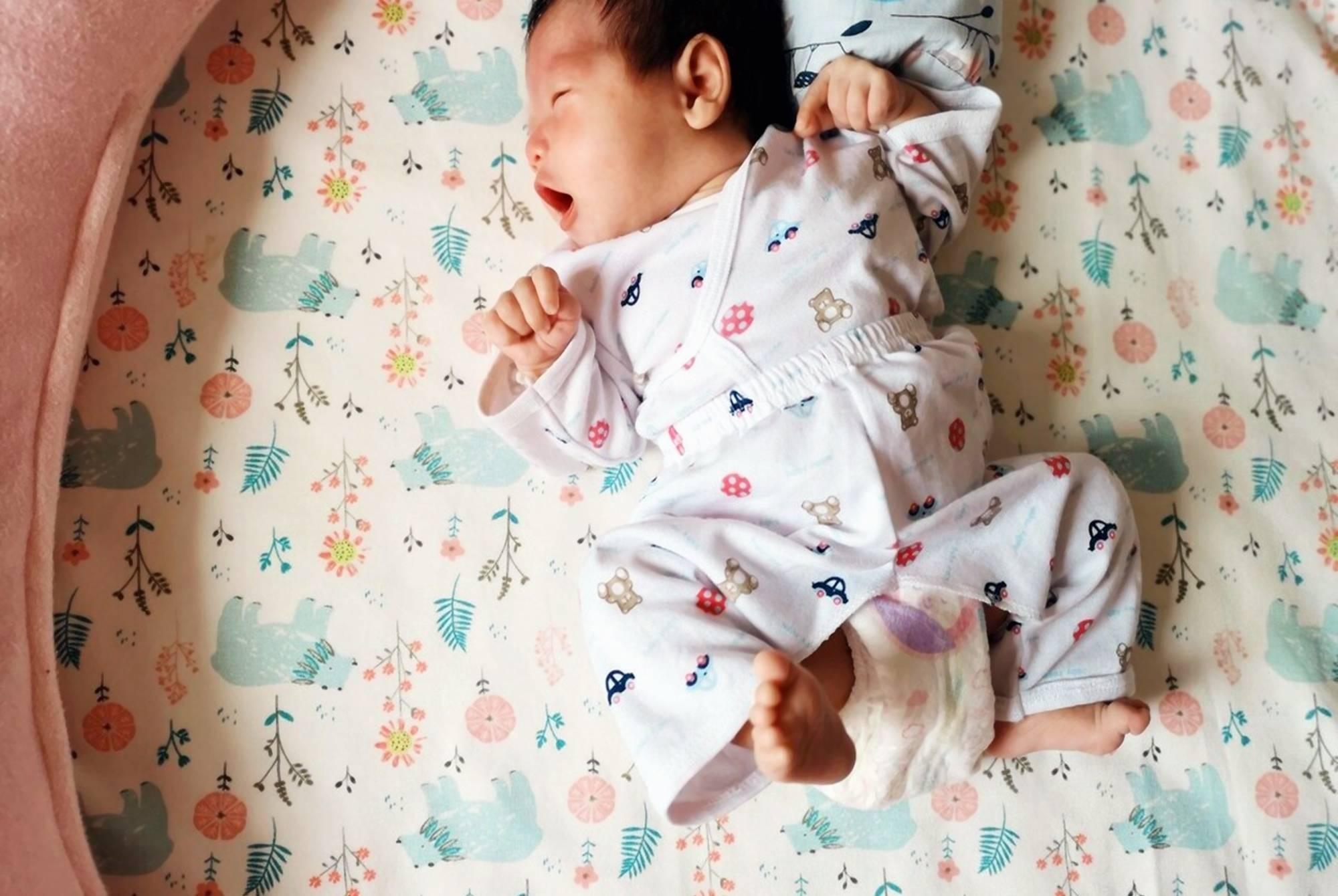 原配宝宝睡的时间越长发育越快?医生:不要发错信号。睡得太久不是好事