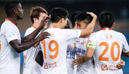 双杀!胡靖航梅开二度埃弗拉进球,武汉卓尔3比0完胜黄海!
