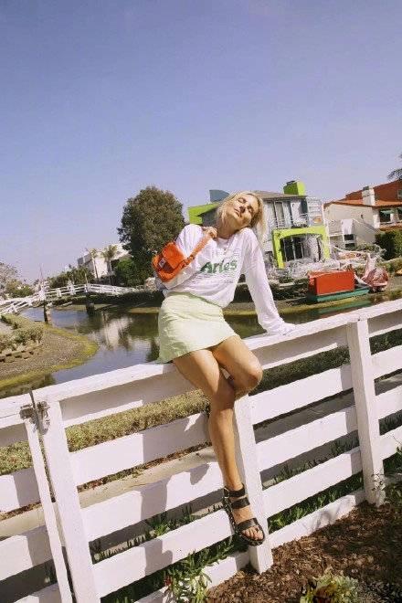 给秋天增光彩 温柔多情的绿色 轻松拥有不一样的气质感 时尚家庭 第4张