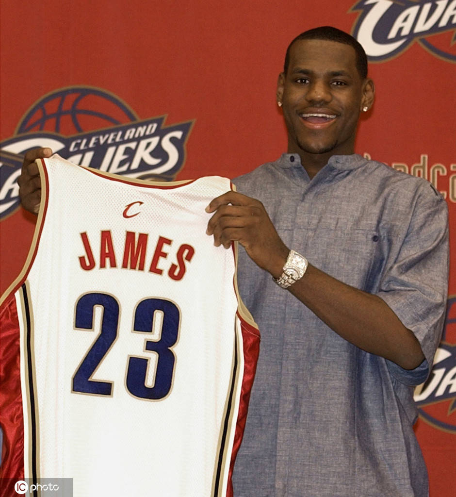 原创            NBA故事汇:从小皇帝到落寞哥 詹姆斯首段骑士生涯