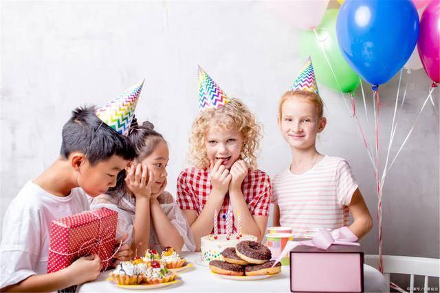 生日发朋友圈怎样写好?过生日怎样发朋友圈,才不土气、高逼格?看这里! 网络快讯 第2张