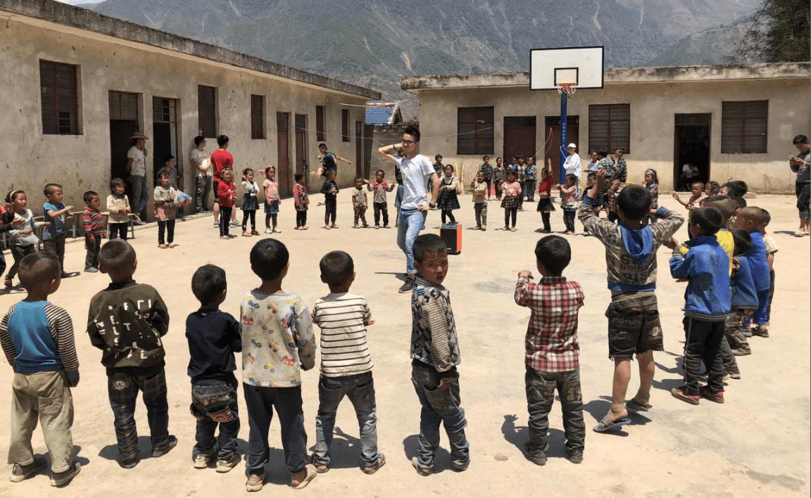 大山里的梦与希望——西南科技大学城市学院驻村干部教育扶贫纪实