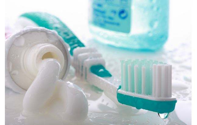 牙膏洗脸有什么功效(用牙膏洗脸可以去除脸上痤疮吗)插图(1)