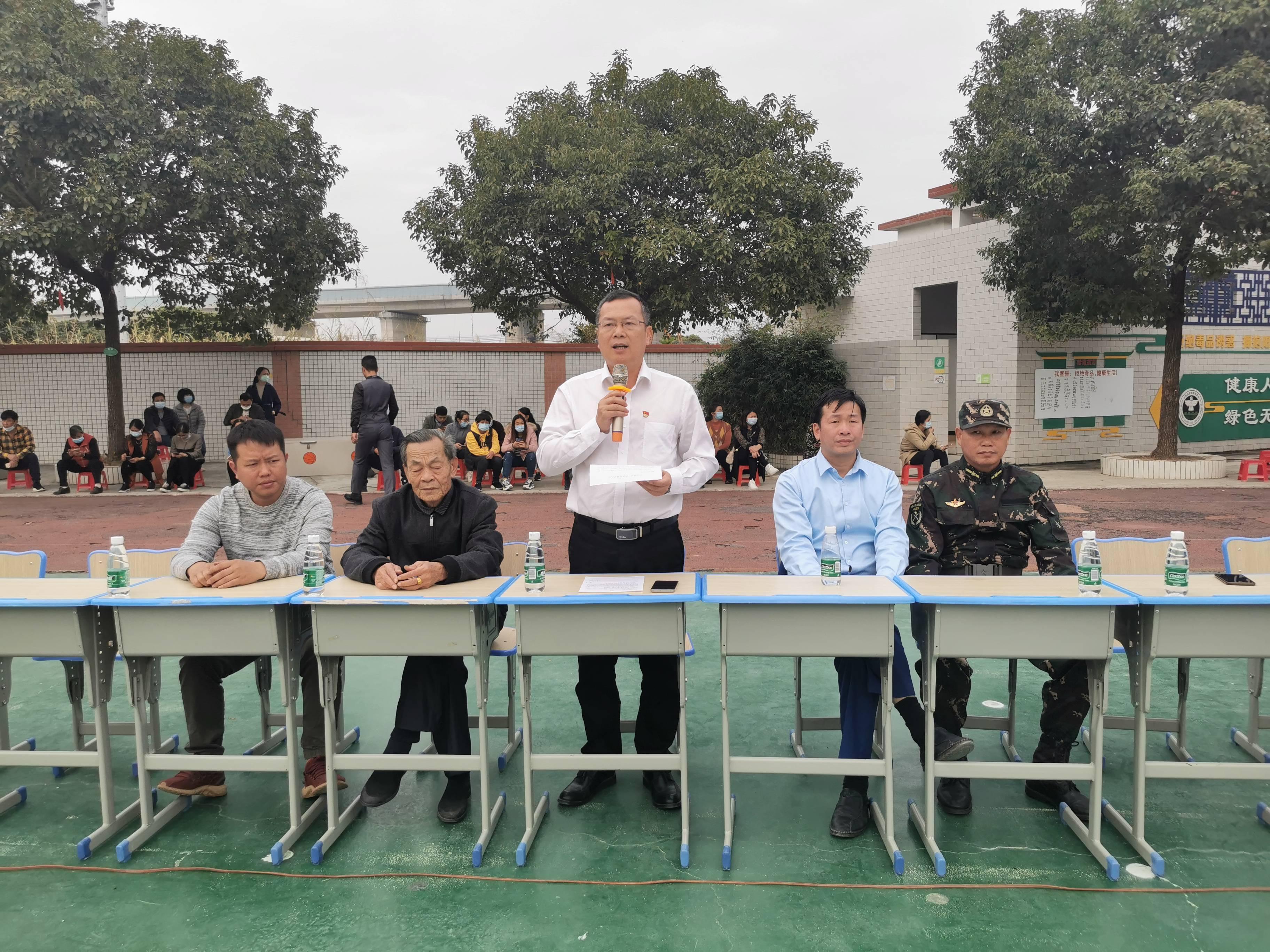 国防小记者感恩活动在广州白沙校进行(图1)