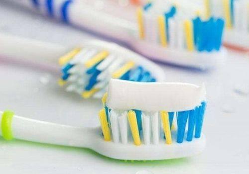 牙膏洗脸有什么功效(用牙膏洗脸可以去除脸上痤疮吗)插图(2)