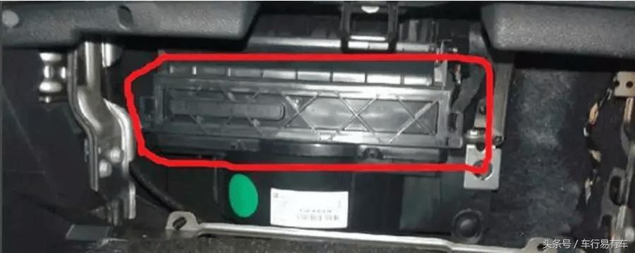 空调滤芯怎么换(换空调滤芯多少钱呢)