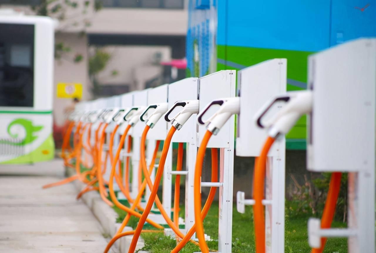 """自从新能源汽车出现以后,汽车市场就""""变样""""了插图(4)"""