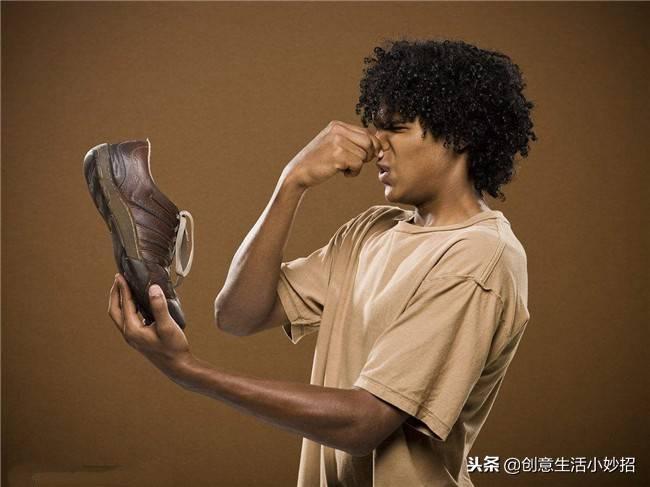 鞋子除臭剂有用吗(教你三个方法快速去脚臭)插图(5)