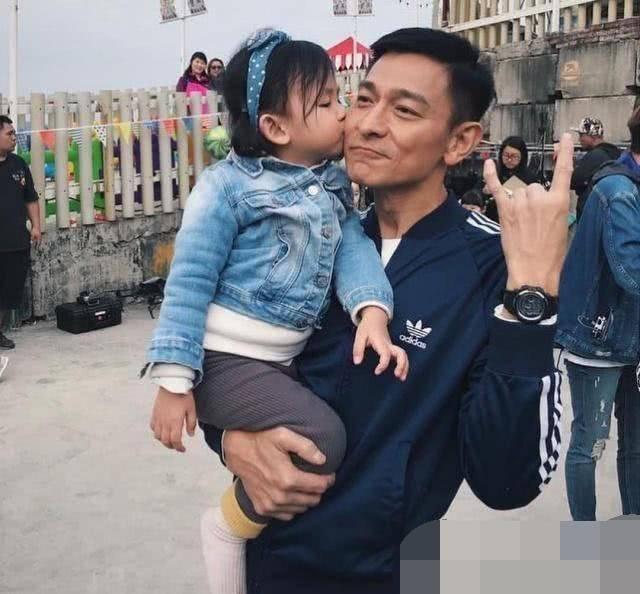 为啥明星富豪大多生的是女儿 4大天王成4大岳父 有一定依据-家庭网