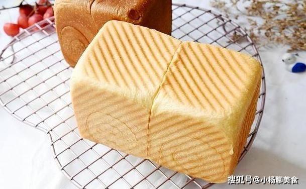 家里就能做出原汁原味又好吃的烤面包,既健康又好吃,孩子爱吃