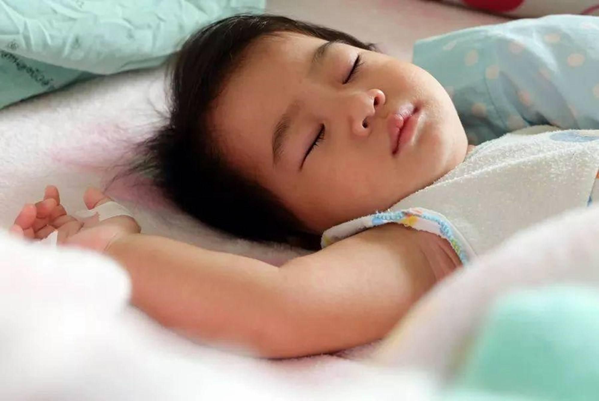 白天睡得少,晚上才能睡得饱?错,宝宝的白天小睡不仅是为了补觉